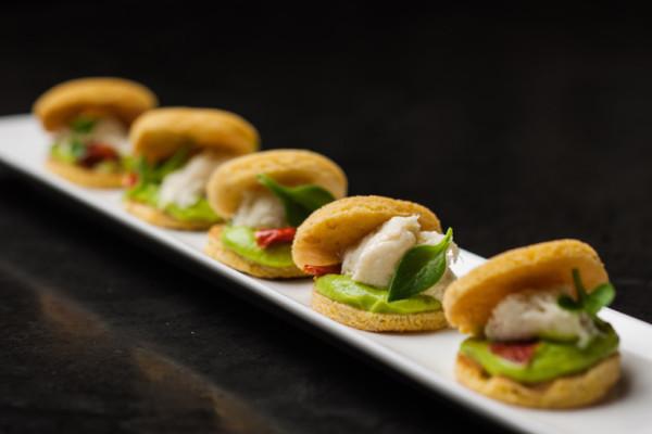 Ricetta Pancake di mais, Baccalà mantecato e Guacamole